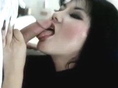 Члены ебут порно видео онлайн в очках с длинными ногтями обнаженных